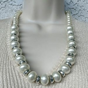 Vintage Faux Pearl Silver Tone Necklace Trendy